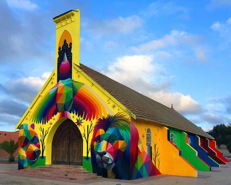 Tembok Gereja Ini Jadi Nyentrik Berwarna-warni, Ada Gambar Hewan Beruang dan Binatang Singa