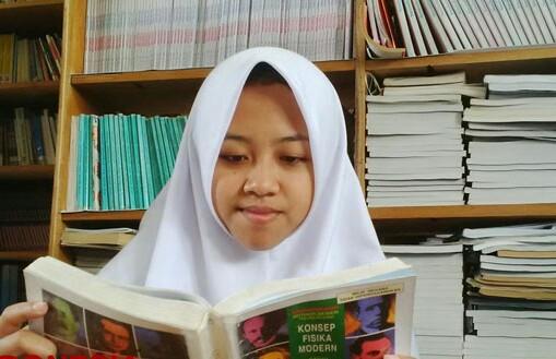 Profil Biodata Facebook Penulis Afi Nihaya Faradisa Maknawi.com