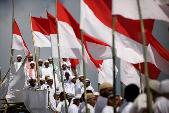 agama islam muslim di indonesia bendera merah putih